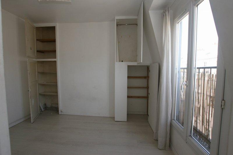 2 room-apartment to renovate Quai de Valmy Paris 10th