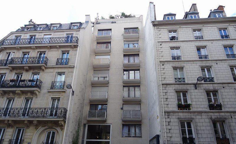 Apartment 30m2 furnished balcony 4th floor. elevator