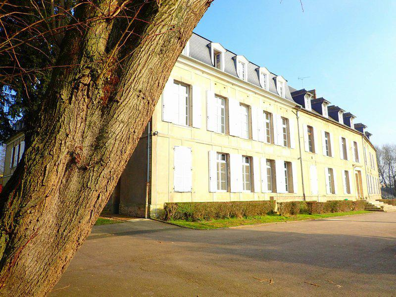 Property 1500 m2 castle outbuildings 2,8Ha