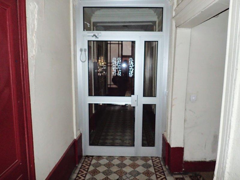 Appartement T2 sur cour 2e étage 24m2 Abbesses