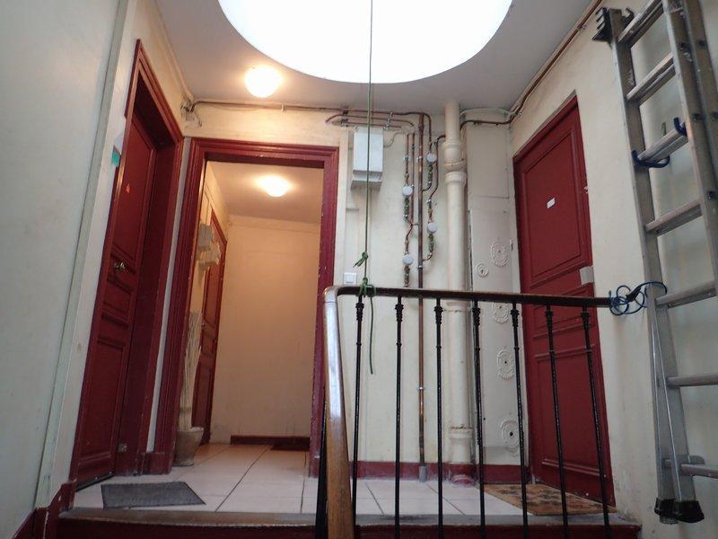 Appartement T2 sur cour 2e étage 24m2 Abesses
