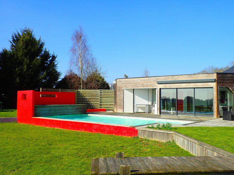 Grande maison contemporaine piscine garages
