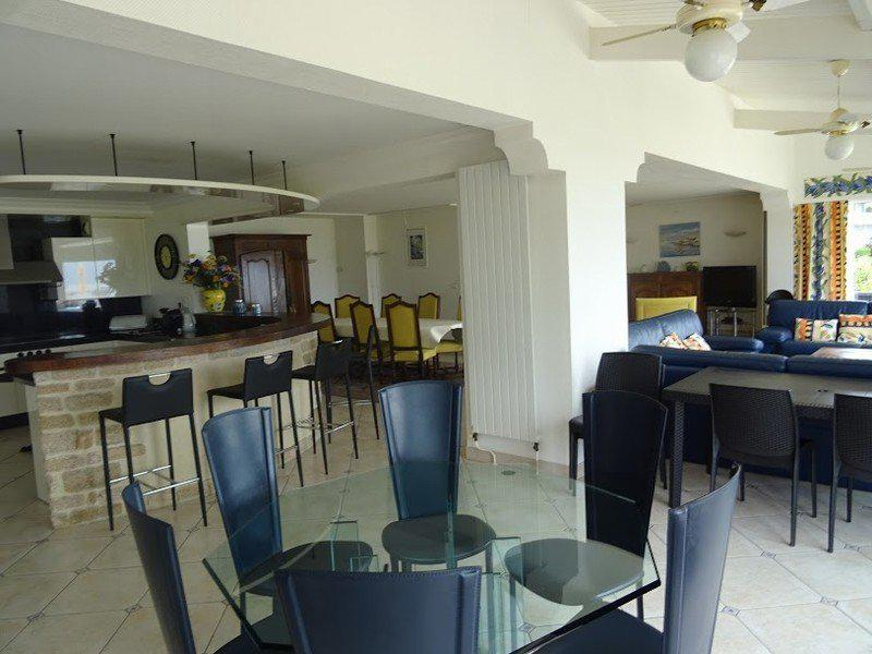 Maison rénovée 5 chambres vue port et mer