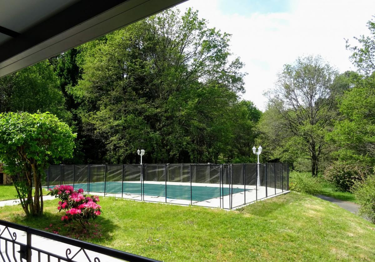 Propriété 6ch 10ha de bois piscine