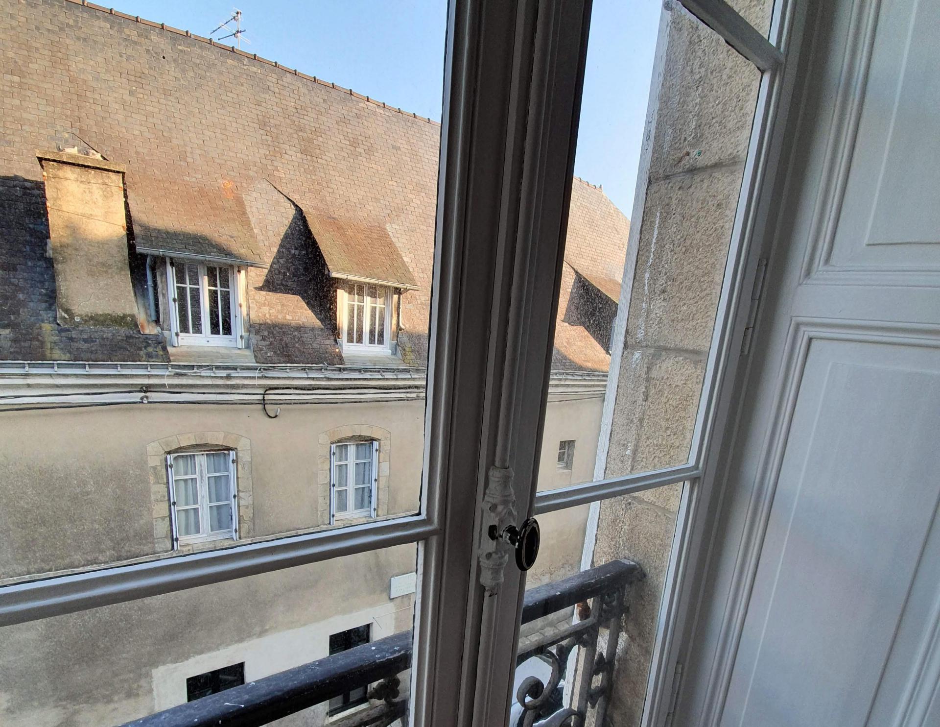 Centre le port appartement ancien rénové 2 ch