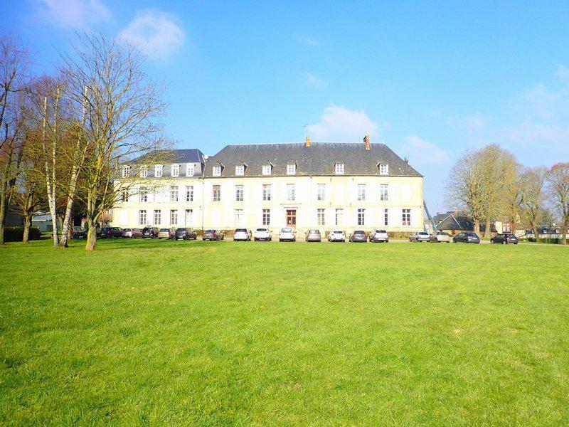 Propriété 1500 m2 hab. château dépendances 2,8Ha