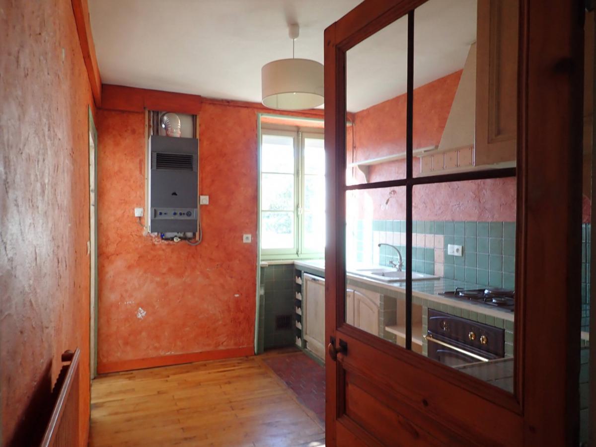 Centre appartement ancien 3 ch parquet cheminées